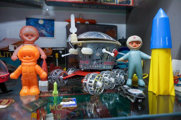 Kosmiskas rotaļlietas  - Sputnik Latvija