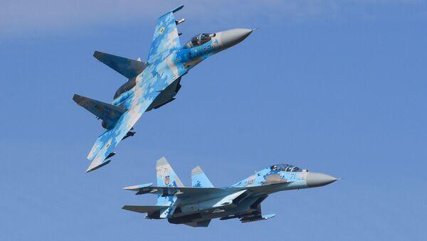Истребители Су-27 ВВС Украины во время многонациональных учений «Чистое небо-2018» - Sputnik Латвия