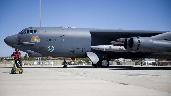 Испытания гиперзвуковой крылатой ракеты AGM-183A Air-Launched Rapid Response Weapon (ARRW) - Sputnik Латвия