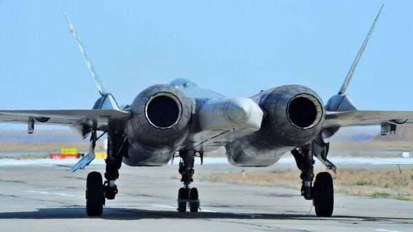 Многофункциональный истребитель пятого поколения Су-57 - Sputnik Латвия