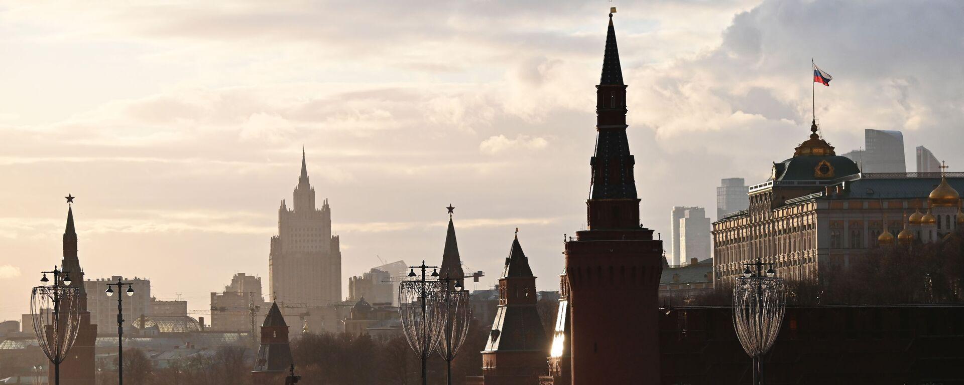 Здание Министерства иностранных дел РФ и  Большой Кремлевский дворец - Sputnik Латвия, 1920, 16.04.2021