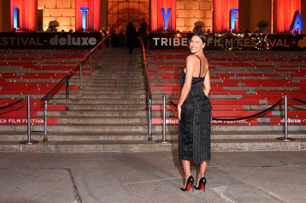 Ирина Шейк на вечеринке Vanity Fair во время кинофестиваля Трайбека - Sputnik Латвия