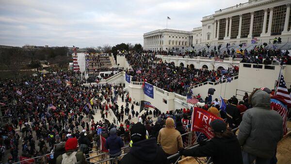 Акция протеста сторонников Д. Трампа в Вашингтоне - Sputnik Латвия