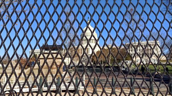 Последствия беспорядков в здании Конгресса США - Sputnik Latvija