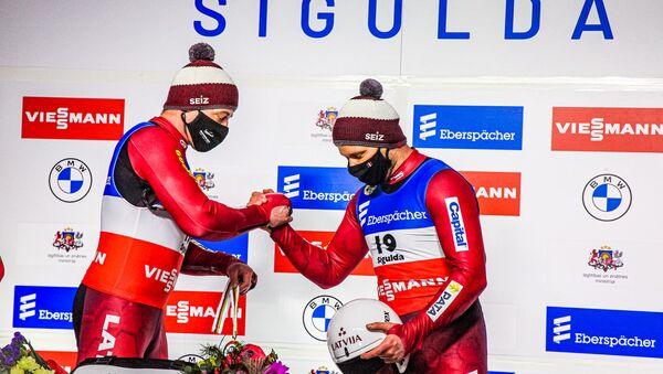 Андрис Шицс и Юрис Шицс на чемпионате Европы по санному спорту в Сигулде - Sputnik Латвия