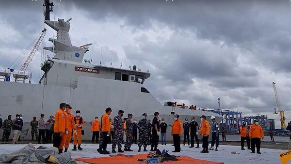 Самописцы найдены: что известно о крушении Boeing в Индонезии - Sputnik Латвия