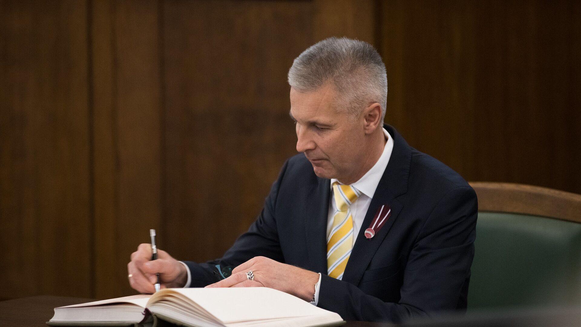 Министр обороны Латвии Артис Пабрикс - Sputnik Латвия, 1920, 20.09.2021