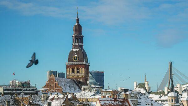 Вид на Старую Ригу и Домский собор зимой - Sputnik Latvija