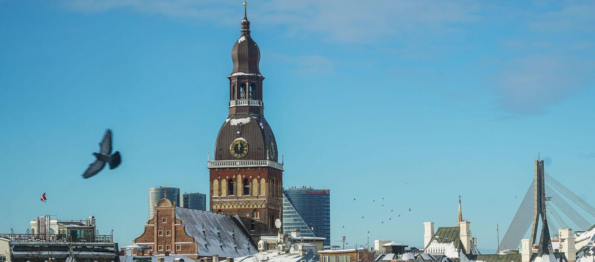 Вид на Старую Ригу и Домский собор зимой - Sputnik Латвия, 1920, 22.02.2021