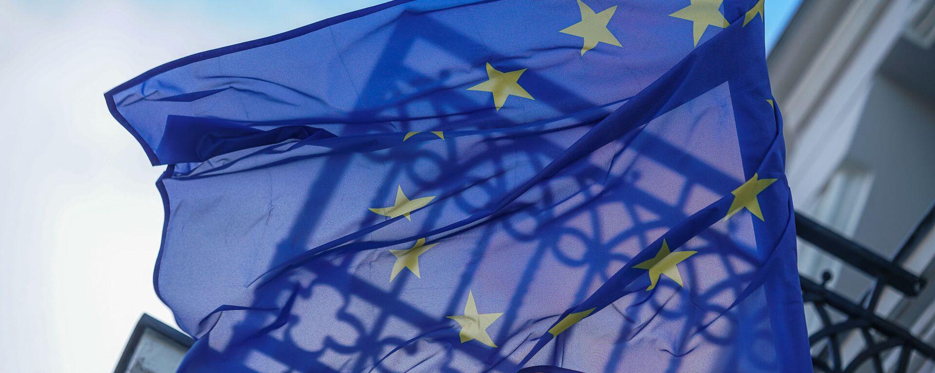 Флаг Евросоюза на здании в Риге - Sputnik Latvija, 1920, 06.10.2021