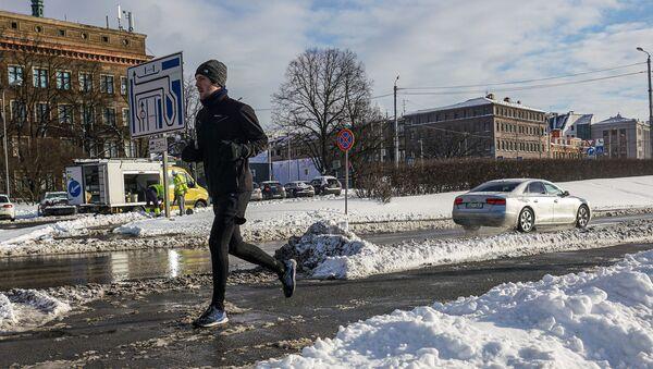 Бегущий человек - Sputnik Латвия