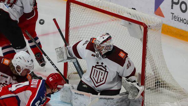 Янису Ворису было нелегко нащупывать игровой ритм после длительного простоя - Sputnik Латвия