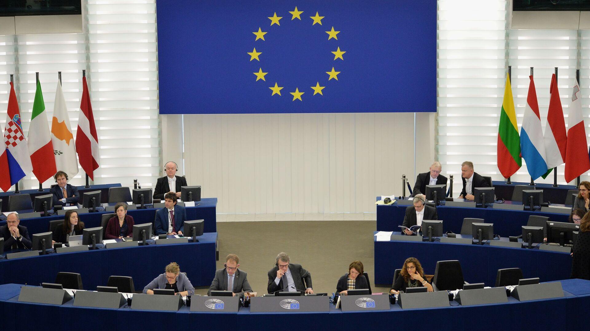 Депутаты на пленарной сессии Европейского парламента, архивное фото - Sputnik Латвия, 1920, 16.05.2021