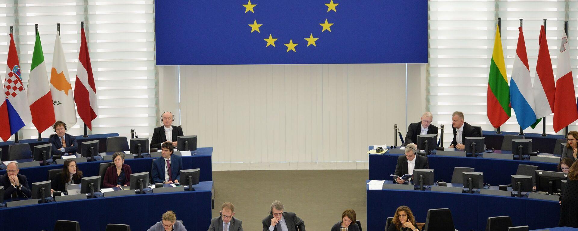 Депутаты на пленарной сессии Европейского парламента, архивное фото - Sputnik Латвия, 1920, 29.04.2021