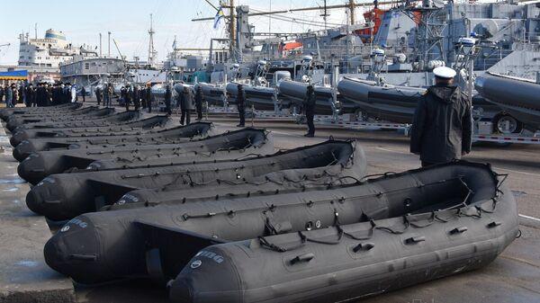 Церемония передачи американских катеров и лодок ВМС Украины в Одессе - Sputnik Latvija