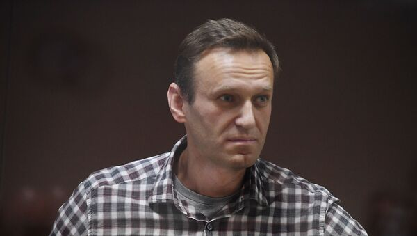 Алексей Навальный в зале суда - Sputnik Латвия
