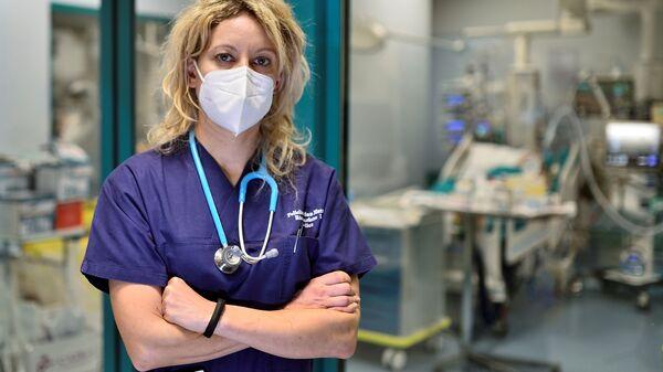 Ārste Annalīza Malara strādā Sanmateo slimnīcā Pavija. Viņa diagnosticēja Covid-19 pirmajam pacientam Itālijā 2020. gada 20. februārī  - Sputnik Latvija