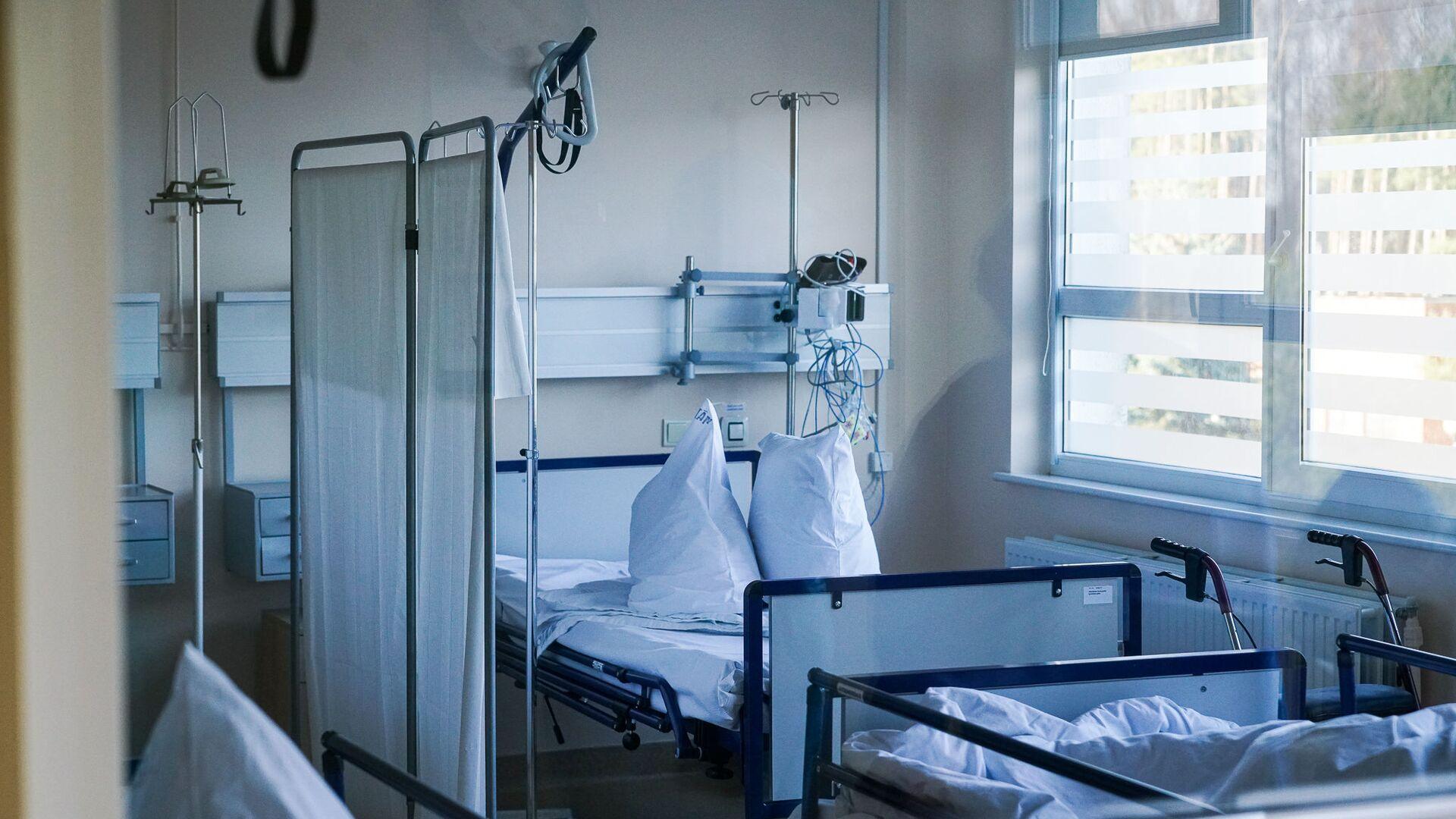 Палата в коронавирусном отделении Даугавпилсской региональной больницы - Sputnik Латвия, 1920, 08.07.2021