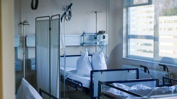 Палата в коронавирусном отделении Даугавпилсской региональной больницы - Sputnik Латвия