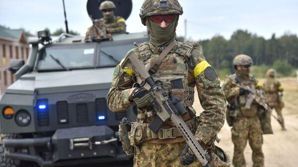 Военнослужащие Украины во время совместных учений Украины и стран НАТО - Sputnik Latvija