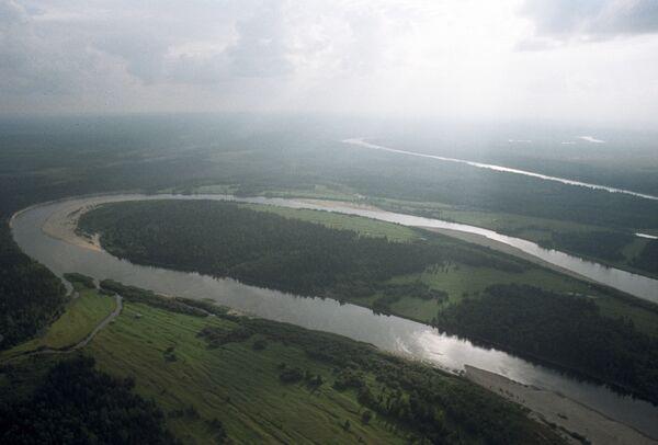 Pirmatnīgie meži Pečoras-Iličas rezervārā Komi republikā. Te aug egles, baltegles un Sibīrijas ciedri, dažādu sugu bērzi, Sibīrijas lapegle un Sibīrijas priede - Sputnik Latvija