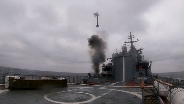 Новейший корвет Гремящий на испытаниях в Балтийском море - Sputnik Latvija