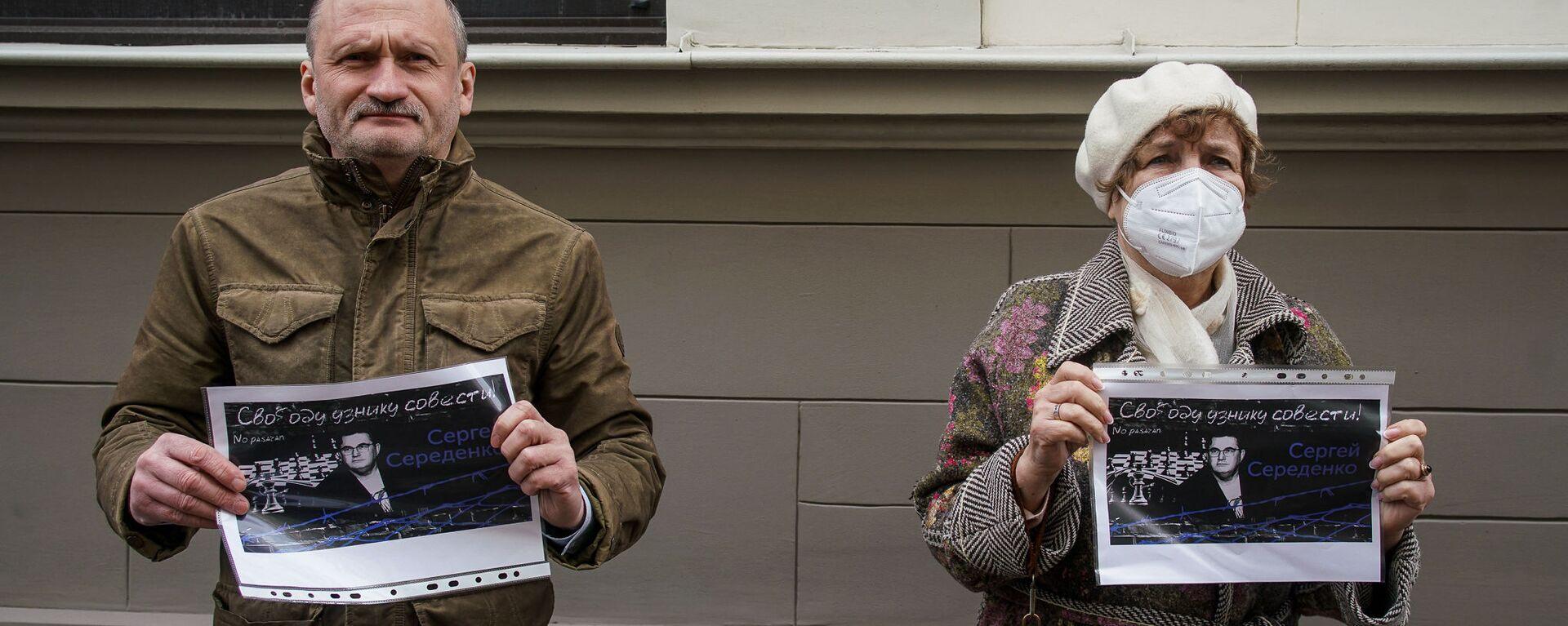 Сопредседатель Русского союза Латвии Мирослав Митрофанов и председатель РСЛ, евродепутат Татьяна Жданок - Sputnik Латвия, 1920, 08.04.2021