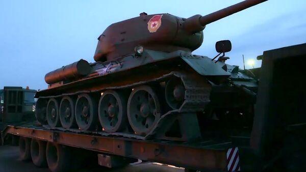 Перебазирование техники, задействованной в параде к 76-летию Победы, в Москву - Sputnik Latvija