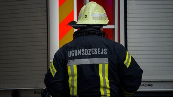 Пожар в хостеле на улице Меркеля, в центре Риги - Sputnik Латвия