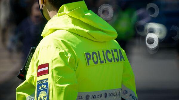 Сотрудник полиции - Sputnik Латвия