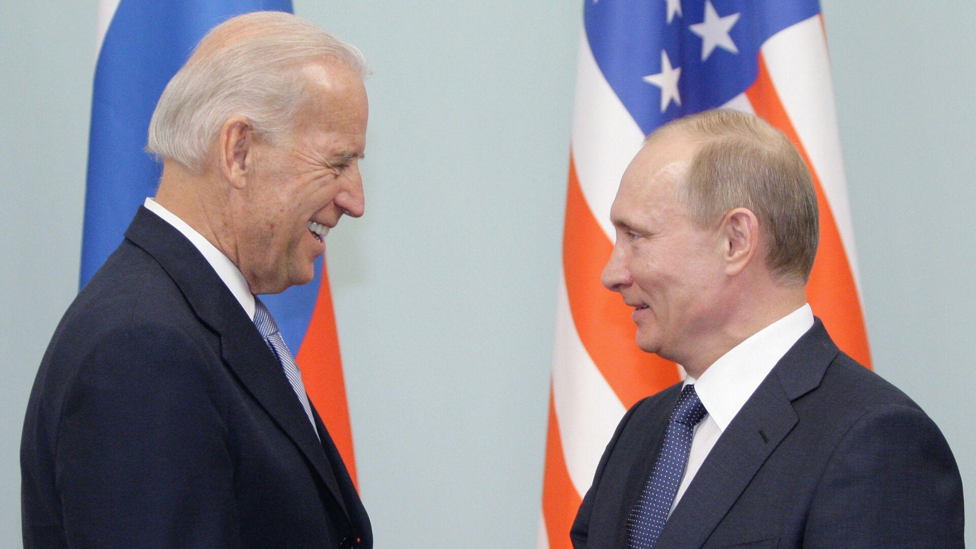 Встреча Владимира Путина с Джозефом Байденом в Москве, 2011 - Sputnik Latvija, 1920, 27.05.2021