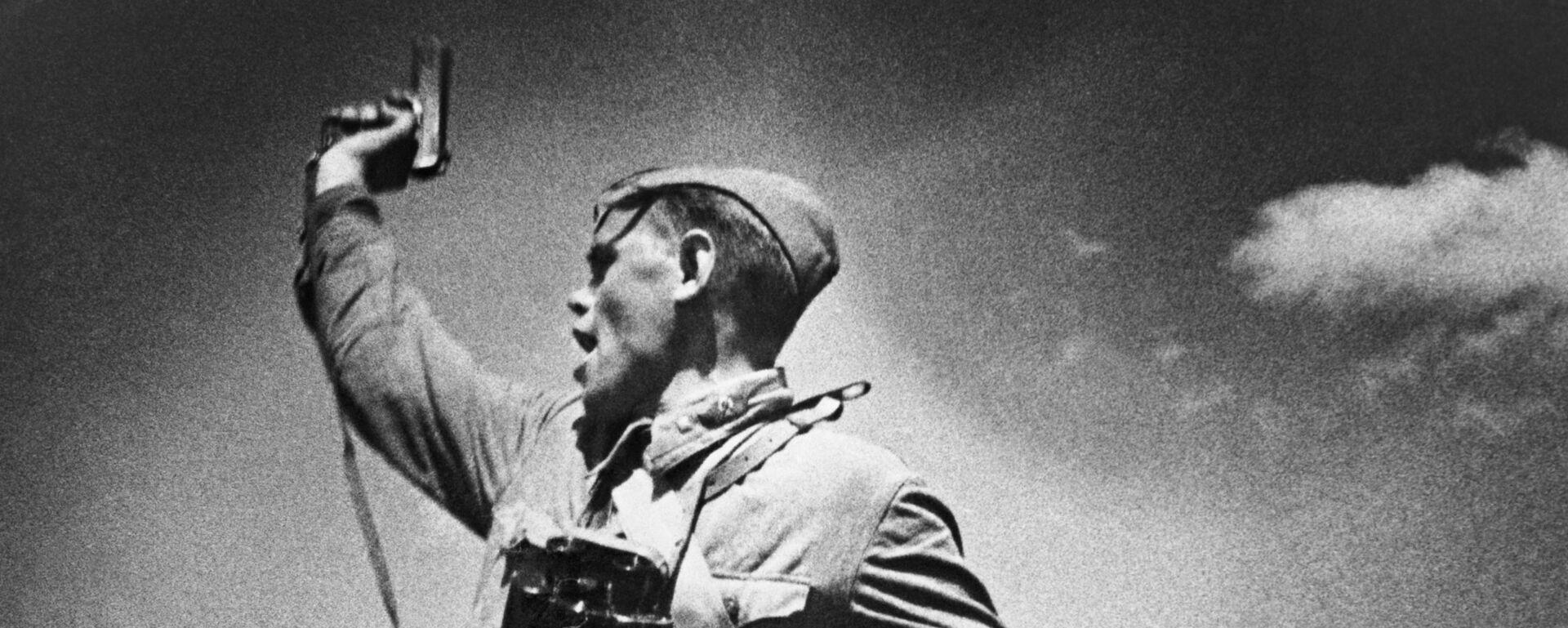 Фотография Комбат Макса Альперта, 1942 год - Sputnik Latvija, 1920, 08.05.2021