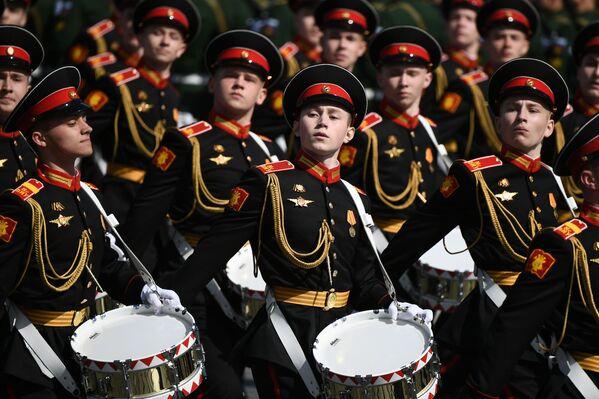 Krievijas Aizsardzības ministrijas Halilova Maskavas Kara mūzikas skolas kursanti - Sputnik Latvija