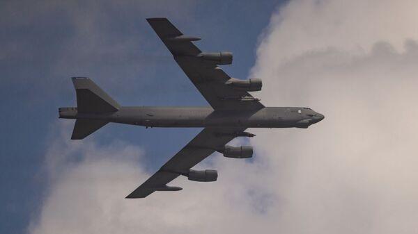 Стратегический бомбардировщик B-52H Stratofortress ВВС США - Sputnik Латвия