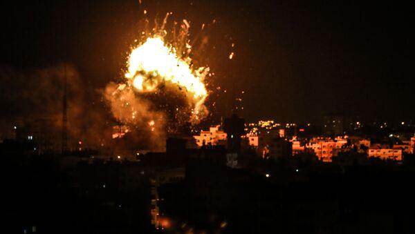 Израиль и сектор Газа обменялись ракетными ударами - Sputnik Латвия