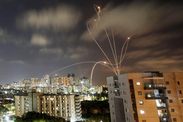 Gazas aviouzbrukums Izraēlai - Sputnik Latvija