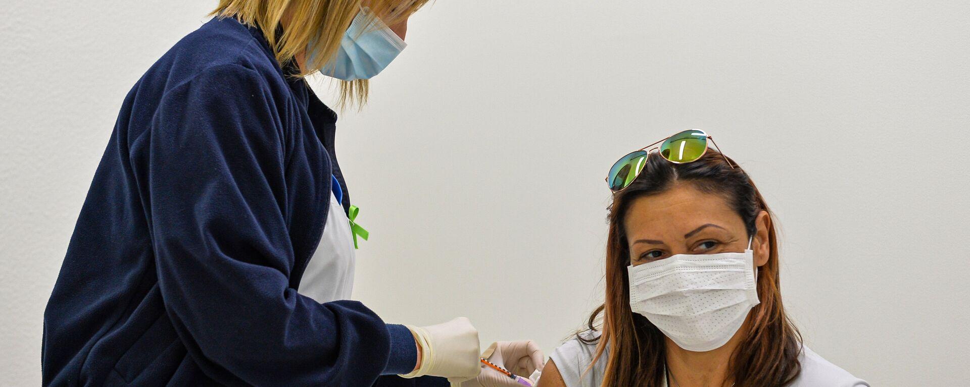 В Сан-Марино открылся прививочный туризм для желающих вакцинироваться Спутником V - Sputnik Latvija, 1920, 19.05.2021