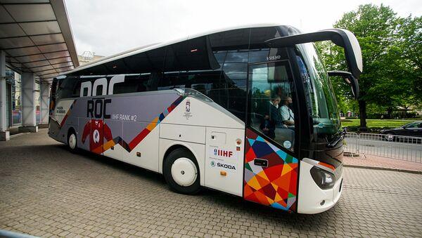 Сборная России отправилась из гостиницы на первый матч ЧМ-2021 - Sputnik Латвия
