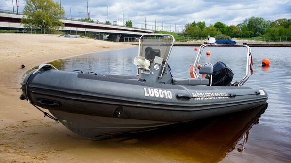 Спасательная лодка Муниципальной полиции - Sputnik Латвия