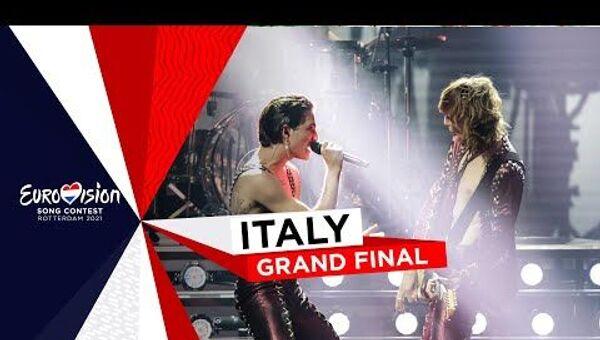 Выступление победителей Евровидения в финале: группа Måneskin из Италии - Sputnik Latvija