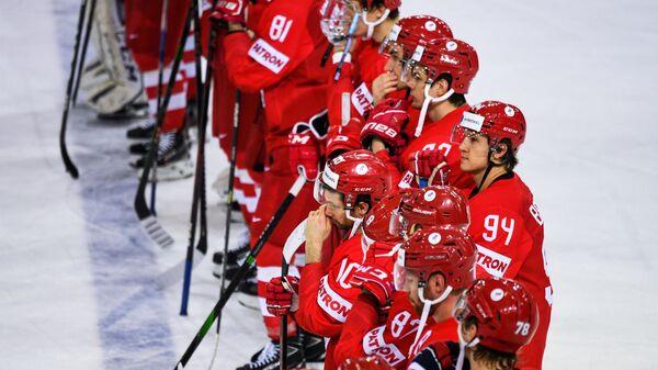 Игроки сборной России после окончания матча со сборной Словакии на групповом этапе ЧМ по хоккею 2021 - Sputnik Латвия