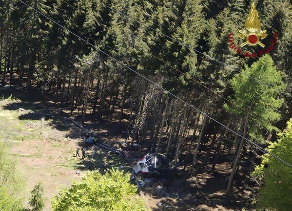 Trošu tramvaja avārijas vietā Itālijas ziemeļos - Sputnik Latvija