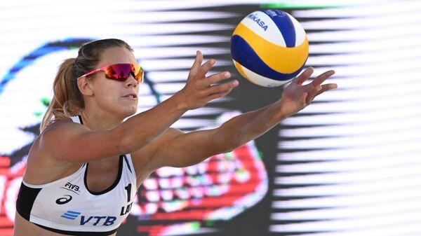 Латвийская пляжная волейболистка Тина Граудиня - Sputnik Латвия
