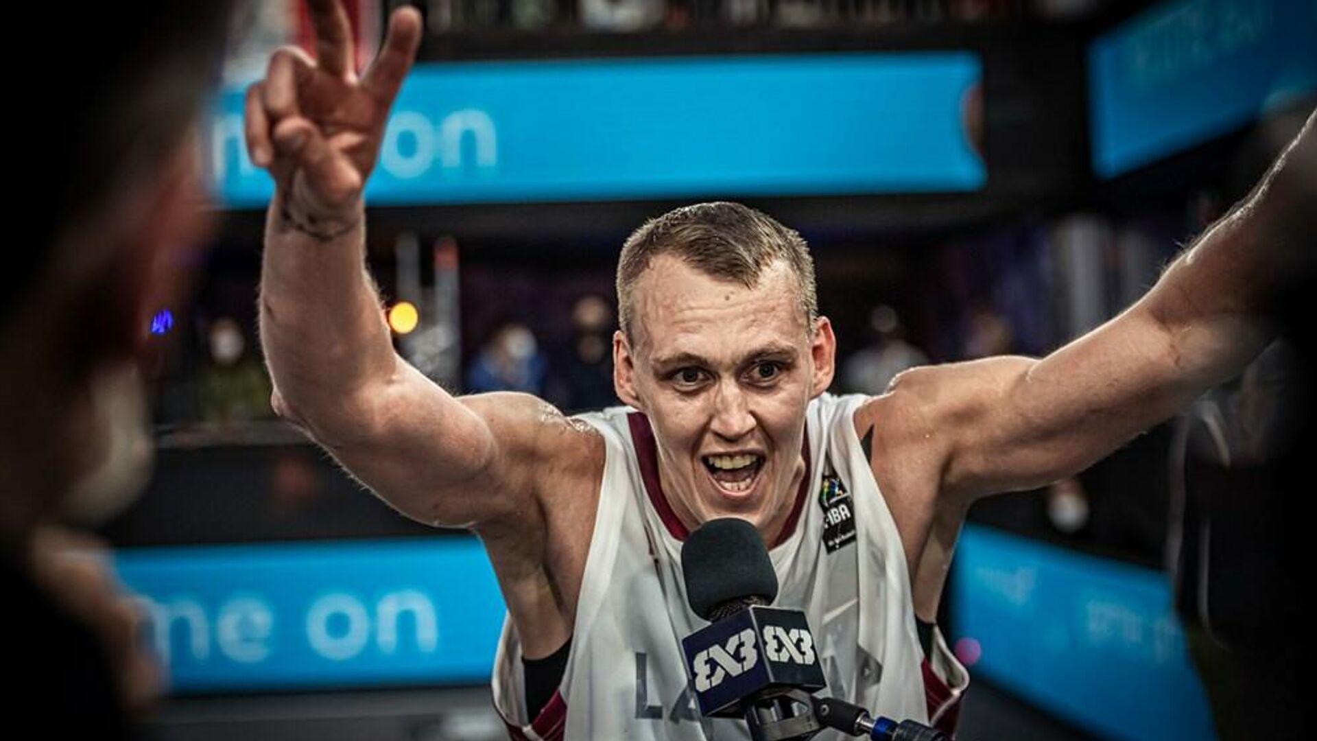 Игрок сборной Латвии по баскетболу 3х3 Наурис Миезис - Sputnik Латвия, 1920, 01.06.2021