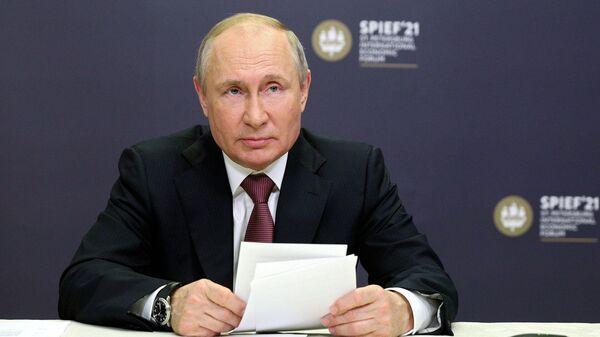 Путин заступился за российских журналистов за рубежом - Sputnik Latvija