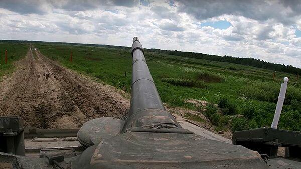 Стрельбы танкистов армейского корпуса Балтийского флота - Sputnik Latvija