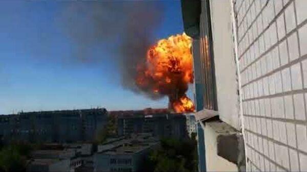На АЗС в Новосибирске произошел крупный пожар - Sputnik Латвия