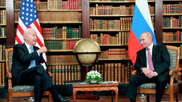 Встреча президентов России и США Владимира Путина и Джо Байдена в Женеве - Sputnik Латвия