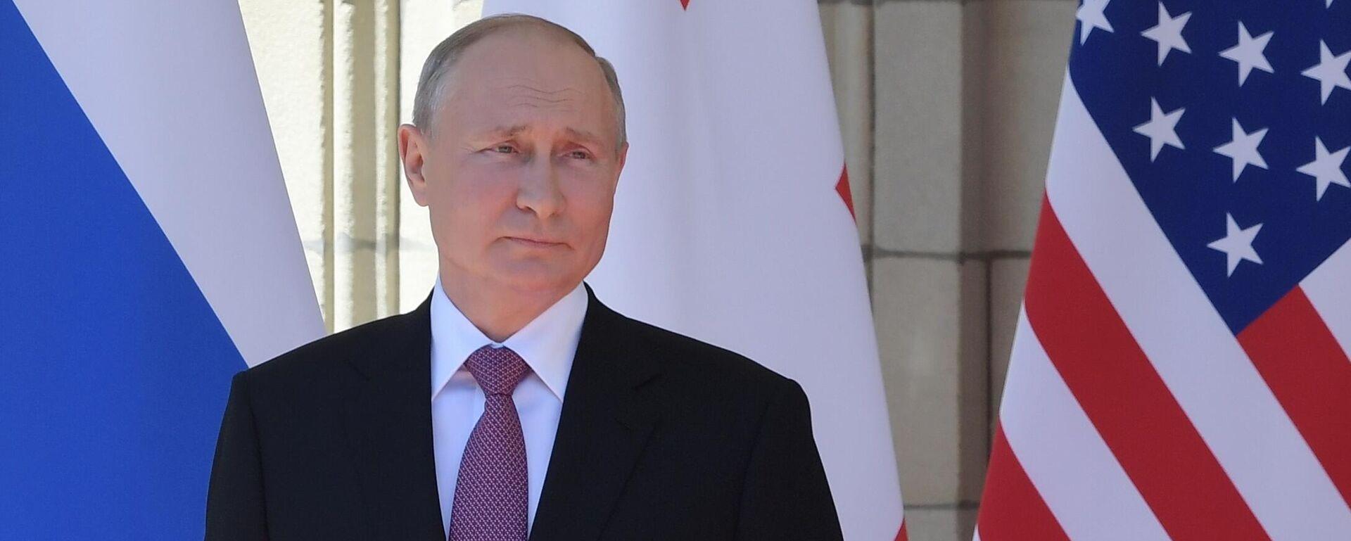 Президент РФ Владимир Путин во время встречи с президентом США Джо Байденом в Женеве - Sputnik Латвия, 1920, 16.06.2021