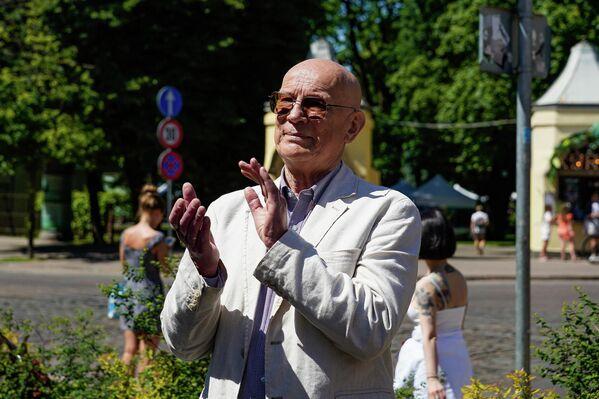 Директор Кукольного театра Вилнис Бекерис на мероприятии по случаю переезда театра. - Sputnik Латвия